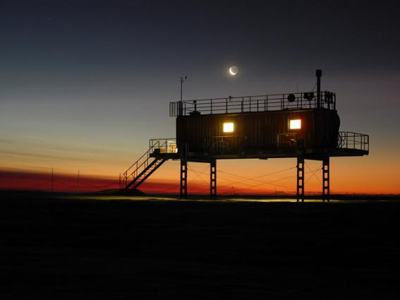 Global Climate Observing System Neumayer 120721 Air Chemistry Observatory Moon Antartica