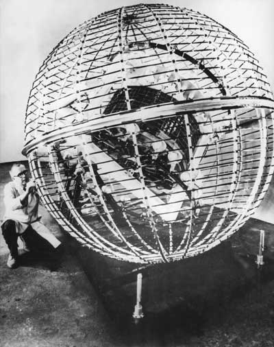 Pre-launch tests of meteorological satellite TIROS (1960)