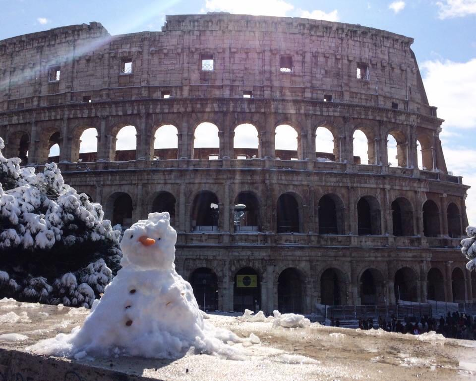 Snow at the Colosseum, Rome, 28 Feb 2018. Photo Stephanie Lamanna