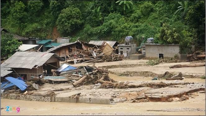 Devastating impact of flash flood in Viet Nam