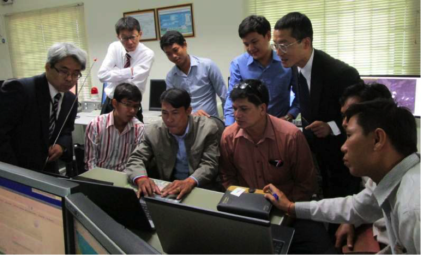 Figure 2 Training at Cambodia's Department of Meteorology (far left: JMA's Shuji Nishimura)