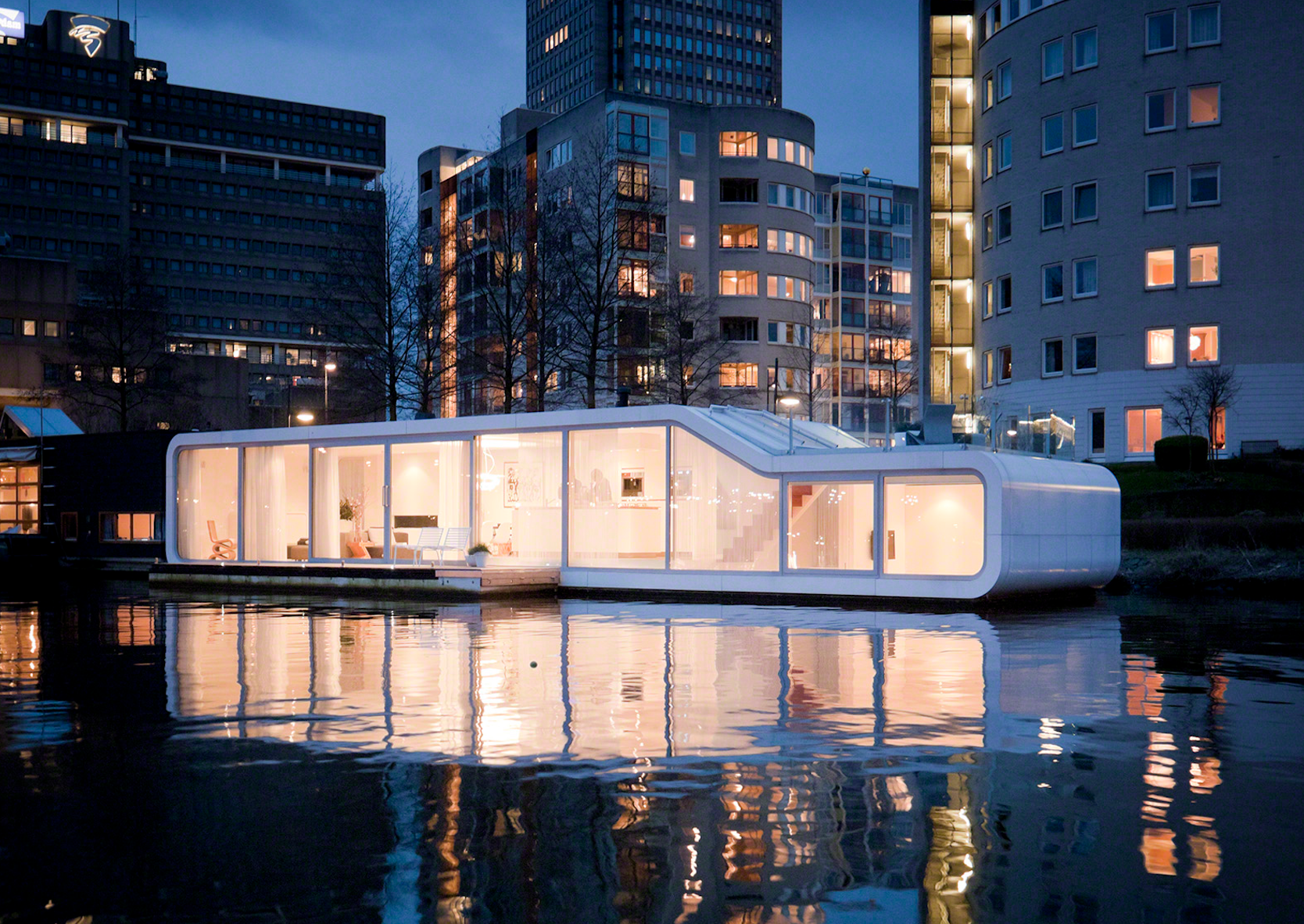 Watervilla de Omval, Amsterdam, the Netherlands. Photo: Iwan Baan