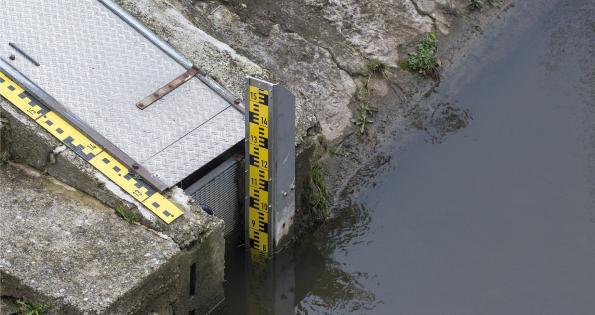 Water_level_measurement_700dpi.jpeg