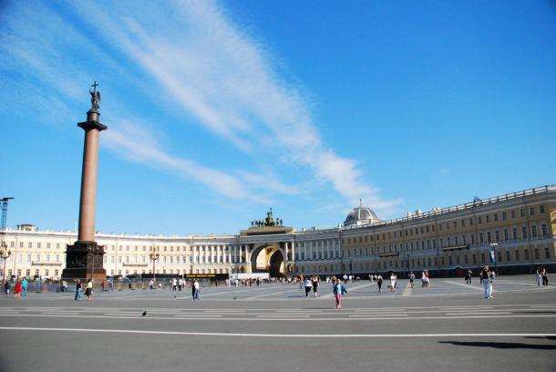 yasmapaz & ace_heart - originally posted to Flickr as Palace Square, Saint Petersburg, Russia
