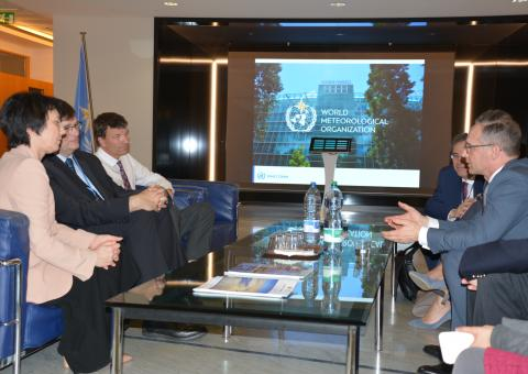 German Foreign Minister visits WMO