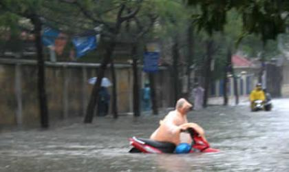 Flooding in Hanoi after heavy rain. Photo by Tin247