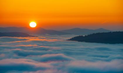 Sunrise over the Lake Bobovica, Croatia. Photographer: Romeo Ibrišević