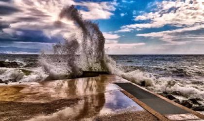Wave Love the Sky - Photographer: Borna Cuk