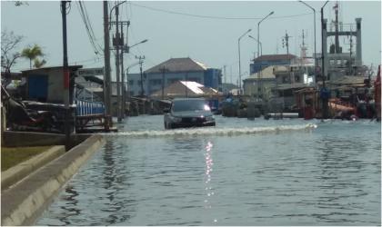 Coastal flooding in Indonesia - Source: BKMG