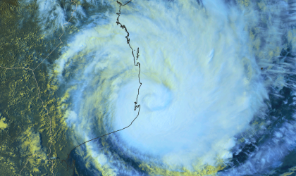 cyclone Dineo hits Mozambique 15 Feb