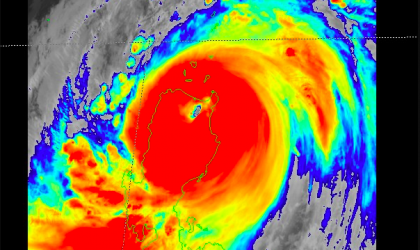 Mangkhut makes landfall in Philippines